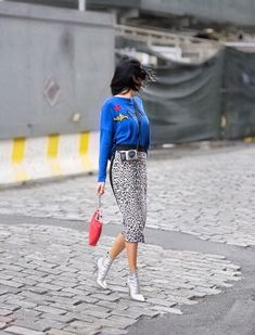 How can anyone forget the way styled our striped asymmetrical dress at NYFW in September? Trying it asap because her look just arrived online. Shop it via link in bio. Leopard Print Outfits, Leopard Print Skirt, Modest Fashion, Fashion Outfits, Looks Style, Asymmetrical Dress, Autumn Winter Fashion, Fashion Looks, Vintage Fashion