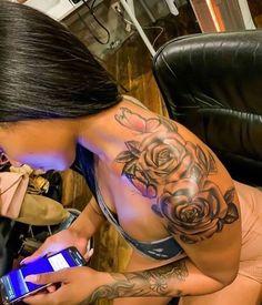 Hand Tattoos, Girl Thigh Tattoos, Butterfly Tattoo On Shoulder, Forarm Tattoos, Shoulder Tattoos For Women, Rose Shoulder Tattoos, Cute Foot Tattoos, Tattos, Neck Tattoo Girls