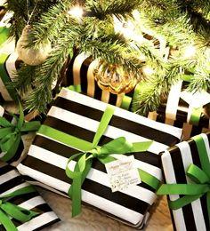 #Christmas gift #wrapping ideas DIY #crafts ToniK ⓦⓡⓐⓟ ⓘⓣ ⓤⓟ Elegant black lime green revel-blog.com