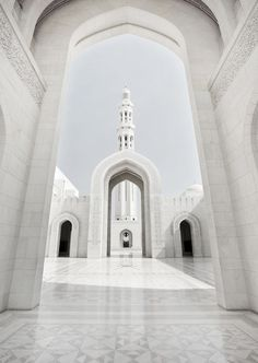 marble courtyard - House (hehe) - Welcome Haar Design Mosque Architecture, Amazing Architecture, Architecture Design, Religious Architecture, Architecture Portfolio, Beautiful Mosques, Courtyard House, Grand Mosque, Poster S