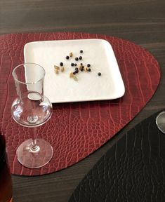 Manteles individuales hechos de piel reciclada Place Mats, Facts, Kitchens, Fur