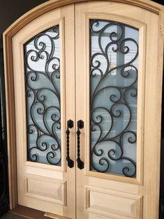 Savona. Wood and Wrought Iron Door