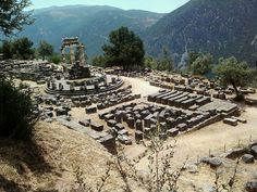 Delphi, the belly button of the world! Δελφοί (Delphi) in Φωκίδα, Φωκίδα Beautiful Places To Visit, Places To See, Places Ive Been, Delphi Greece, Places In Greece, Greece Travel, Historical Sites, Have Time, To Go