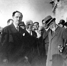Ελευθέριος Βενιζέλος- Γεώργιος Παπανδρέου Liberal Party, Greeks, Politicians, Daddy, Fathers