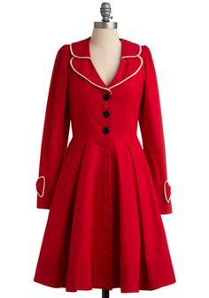 Gorgeous Red Coat via Modcloth Estilo Fashion, Ideias Fashion, Sweater Weather, Pretty Outfits, Cute Outfits, Cute Coats, Swing Coats, Vintage Mode, Retro Vintage