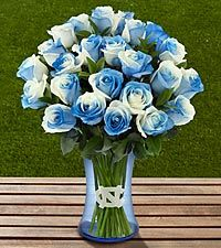 Light blue and white roses - The FTD ® University of North Carolina ® Tar Heels ® Rose Bouquet - VASE INCLUDED