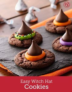 Hosting a Halloween party? Let guests decorate their own witch-y cake-mix cookies. Bake the cookies ahead of time, and when it's time to party, set them out with sprinkles, candy and colored frosting (Halloween Bake) Pasteles Halloween, Bolo Halloween, Dessert Halloween, Halloween Goodies, Halloween Food For Party, Halloween Cupcakes, Halloween Halloween, Halloween Potluck Ideas, Easy Halloween Treats