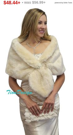PLN188.12+ Memorial Day Bridal wrap, bridal stole, Champagne faux fur stole fur shrug bridal fur wrap fur shawl, faux fur cape for wedding
