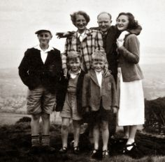 A young John Lennon with his Aunt Mater, Uncle Bert, Cousins Liela, Michael, and David in Edinburgh