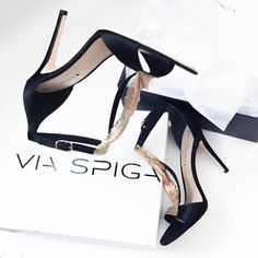 SALE‼️Via Spiga Gold & Black Heels Elegant and so chic! Wear it with a LBD or rock it with leather pants and a Givenchy Rottweiler Tee for a casual look. Light scuffing at the front toe area and at the bottom from store wear. All photos are my own.   • MAKE ALL OFFERS THROUGH THE OFFER BUTTON • NO TRADES Via Spiga Shoes Heels
