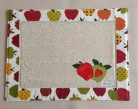 Patch Quilt, Quilt Blocks, Handmade Crafts, Diy And Crafts, Sewing Crafts, Sewing Projects, Place Mats Quilted, Quilted Table Runners, Mug Rugs