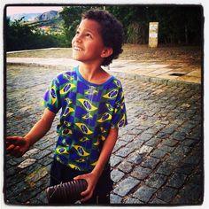 Small kite flyer, Mariana, Minas Gerais, Photo by Claudine Triolo, 2014