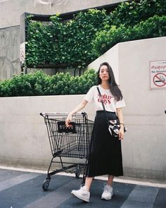 Casual Fall Outfits That Will Make You Look Cool – Fashion, Home decorating Korean Girl Fashion, Korean Fashion Trends, Korean Street Fashion, Korea Fashion, Asian Fashion, Look Fashion, Skirt Fashion, Trendy Fashion, Fashion Outfits