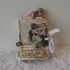 A small junk journal - really small, only 8,5 cm x 11,5 cm (about 3.3 x 4.5 inches).