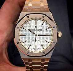 Audemars Piguet Gold, Audemars Piguet Diver, Audemars Piguet Watches, Dream Watches, Luxury Watches, Ap Royal Oak, Watch Box, Gold Watch, Chronograph