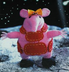 the clangers - tiny clanger knitted toy ~ I'm still in the progress of making one of these. Crochet Toys, Knit Crochet, Fiber Fibre, Knitting Patterns, Crochet Patterns, Little Sis, Mish Mash, Stuffed Toys Patterns, Knits