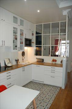 Cuisine Ikea Savedal, verrière en acier made in Portugal et carreaux de ciment Mosaic del Sur