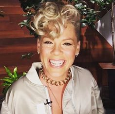"""Singer Pink has had enough with social media """"mom-shaming"""", so much so that she has now decided to stop sharing her intimate family moments online. Carey Hart, Alecia Moore, The Ellen Show, Women In Music, Pixie Hairstyles, Celebs, Celebrities, Pixies, Music Is Life"""