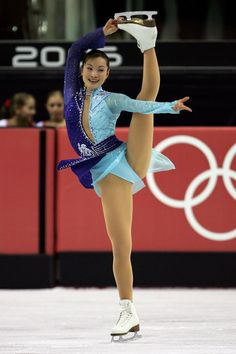 The 30 Most Gorgeous Figure Skating Outfits in Olympic History Figure Skating Outfits, Figure Skating Dresses, Gymnastics Pictures, Sport Gymnastics, American Athletes, Female Athletes, Ice Girls, Bright Pink Dresses, Athletic Girls