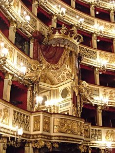 Royal Box (1817) - Architect Antonio Niccolini - Royal San Carlo Theatre in Naples
