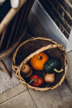 November days, a few calming pictures from a bustling month. There is no such thing as 'Slow Living' here. Fall Pictures, Fall Photos, Calming Pictures, Squashes, Autumn Aesthetic, Autumn Photography, Vegan Baking, Fall Harvest, Autumn Home