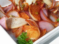 V kuchyni vždy otevřeno ...: Pečená cibule tandoori Shrimp, Meat, Vegetables, Food, Fitness, Essen, Vegetable Recipes, Meals, Yemek