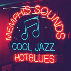 Memphis sounds is a lounge downtown off of Third street. I have yet to visit the lounge but this awesome neon signage deserves attention, so I snapped away. #neon #neonsign