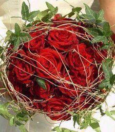 Matrimonio tema rosso.... Alessandro Tosetti Www.alessandrotosetti.com www.tosettisposa.it #abitidasposa2015 #wedding #weddingdress #tosetti #tosettisposa #nozze #bride #alessandrotosetti #agenzia1870