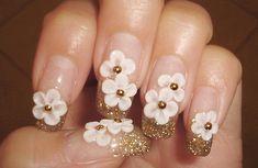 #nails#cute#manicure#gold#glitter#flowers