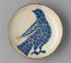 www.editionlocal.com >> Small Dish with Stylized Rock Dove, c. 17th century, Iran. The Harvard Art Museums Norma Jean Calderwood Collection of Islamic Art.