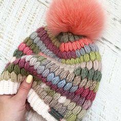 Marvelous Crochet A Shell Stitch Purse Bag Ideas. Wonderful Crochet A Shell Stitch Purse Bag Ideas. Bonnet Crochet, Crochet Cap, Crochet Beanie, Knitted Hats, Loom Knitting, Baby Knitting, Knitting Patterns, Knitting Scarves, Crochet Edgings