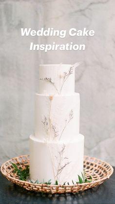 Amazing Wedding Cakes, Fall Wedding Cakes, Wedding Cake Rustic, Elegant Wedding Cakes, Wedding Cake Designs, Wedding Cake White, Vintage Wedding Cakes, Wedding Cake Simple, Plain Wedding Cakes
