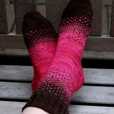 This sock pattern provides a great introduction to stranded knitting. My Mom and I shared two skeins of Malabrigo sock yarn and challenged each other to create a unique two-color design. - Crochet and Knit Love Knitting, Knitting Socks, Hand Knitting, Knit Socks, Knitted Slippers, Knitting Machine, Vintage Knitting, Malabrigo Sock, Patterned Socks