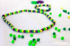 Mardi Gras beads craft for kids  #mardigras #craftsforkids