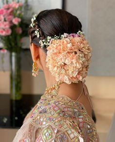 (C) dollyouup_bys   Floral bridal hairstyle for Indian Brides   Bridal Bun hairstyle   #wittyvows #bridesofwittyvows #floralbun #bunhairstyle #bridalhairdo #indianbride #Indianwedding Bridal Hair Buns, Bridal Hairdo, Indian Bridal Hairstyles, Bun Hairstyles, Bys, Absolutely Stunning, Brides, Style Inspiration, Hair Styles