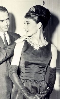 Audrey wears the Tiffany Yellow Diamond necklace for publicity photographs for Breakfast at Tiffany's, 1961
