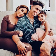 Cutest family ever 😍 The Ace Family Catherine, Austin And Catherine, Cute Family, Family Goals, Couple Goals, Baby Family, Family Posing, Family Photos, The Ace Family Youtube