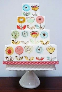 Community Post: 22 Gorgeously Hand Painted Cakes That You Need To Have At Your Wedding