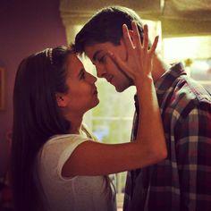 Series Movies, Tv Series, Tv Couples, You Know Where, Delena, Good Movies, Aesthetic Wallpapers, Spanish, Nostalgia