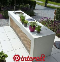 47 Awesome Outdoor Kitchen Design Ideas You Will Totally Love   When the summer finally gets going and you don't want to be trapped inside a hot kitchen all day, it […]