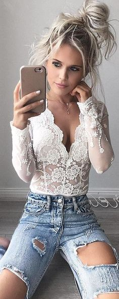 Keep it fresh with a white lace bodysuit. Casual or glam bodysuits are a solid choice. Sexy Outfits, Body Suit Outfits, Casual Outfits, Cute Outfits, Fashion Outfits, Womens Fashion, Jeans Fashion, Sexy Jeans Outfit, Denim Outfits