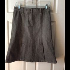 "Theory Gray Denim Double Vent Flare Skirt Sz 4 Theory size 4 gray denim flare skirt.  Front zip with both front and back double center vents.  Sits below the waist.  The measurements are:  15"" waist, 17 1/2"" hips and 23"" length. 98% cotton - 2% spandex.  EUC Theory Skirts"