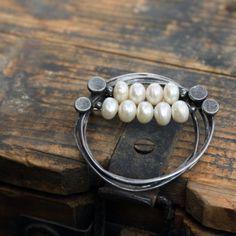 Brož perlová