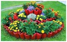 Clay roof tiles as border Clay Roof Tiles, Flower Beds, Garden Projects, Yard, Flowers, Plants, Organization Ideas, Spiral, Gardening