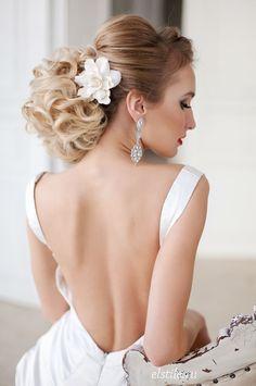 Peinado con volumen para novias románticas