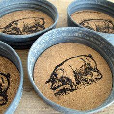 Mason Jar lids + piggies stamped on cork = LOVE! Farmhouse Kitchen, Pig Coasters