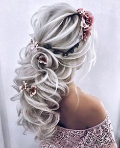 These are the best wedding hairstyles you can copy for short, long and mid-length hair. If you need a little bridal hair inspiration, look no further. Loose Braid Hairstyles, Boho Hairstyles, Elegant Hairstyles, Pretty Hairstyles, Wedding Hairstyles, Graduation Hairstyles, Wedding Hair And Makeup, Hair Makeup, Hair Wedding