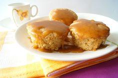 De Cupcakes.: Cupcakes de chocolate Blanco y Caramelo glaseado.