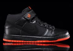 Nike SB Dunk Mid Halloween Available Now
