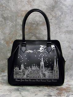 Moi-Meme-Moitie Silent Moon Print Handbag [in Black x Silver]